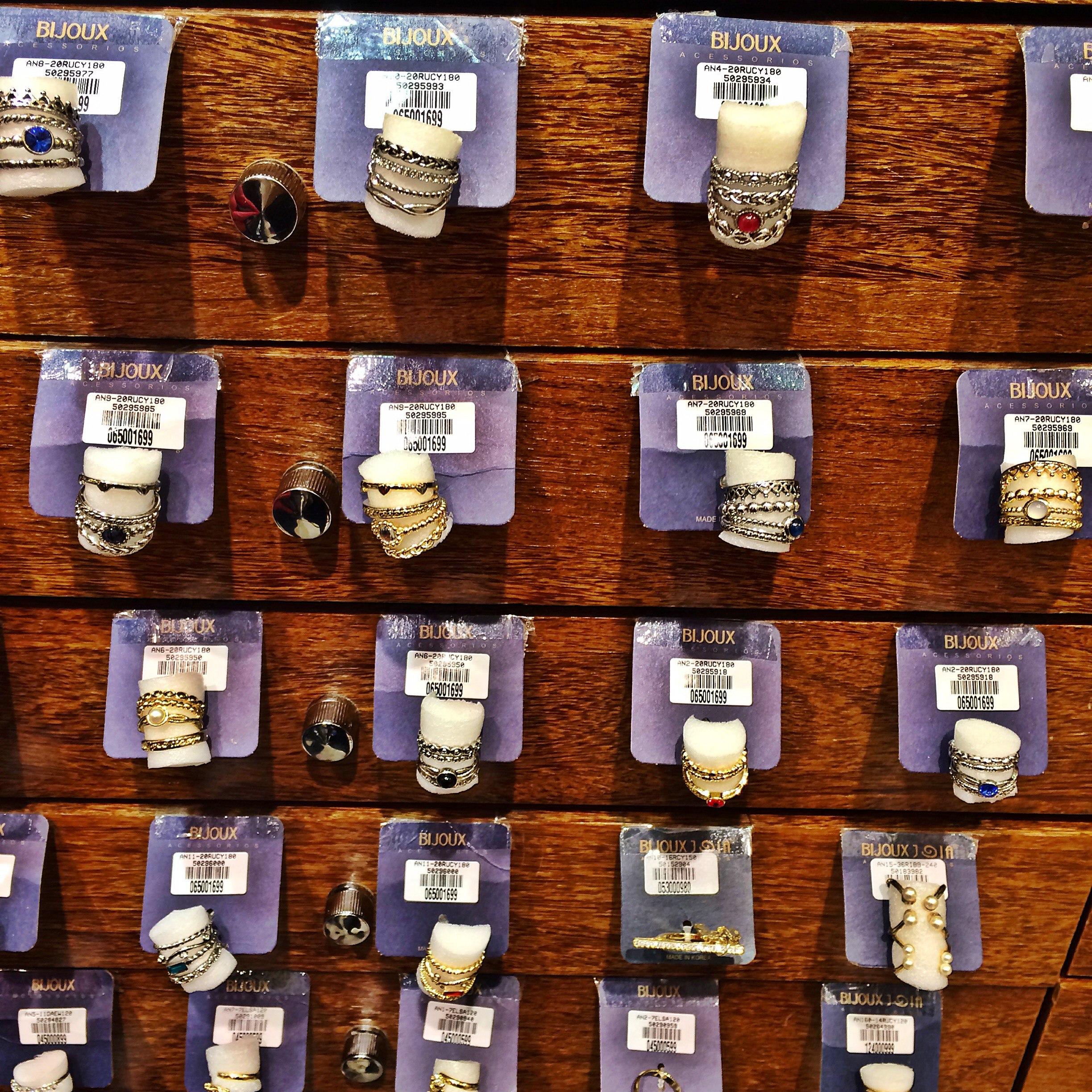 Conjunto de anéis no estilo Pandora em dourado e prata e de vários  #78300F 2447x2447 Acessorios Banheiro 25 De Março